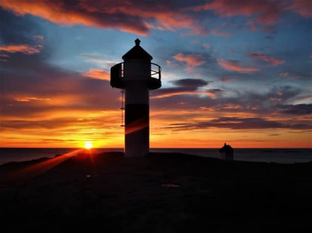 Phare coucher de soleil Lofoten