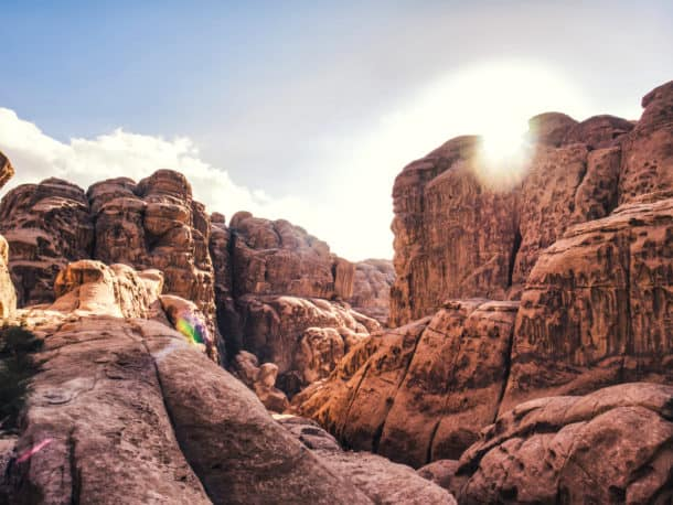 soleil wadi rum montagnes roches