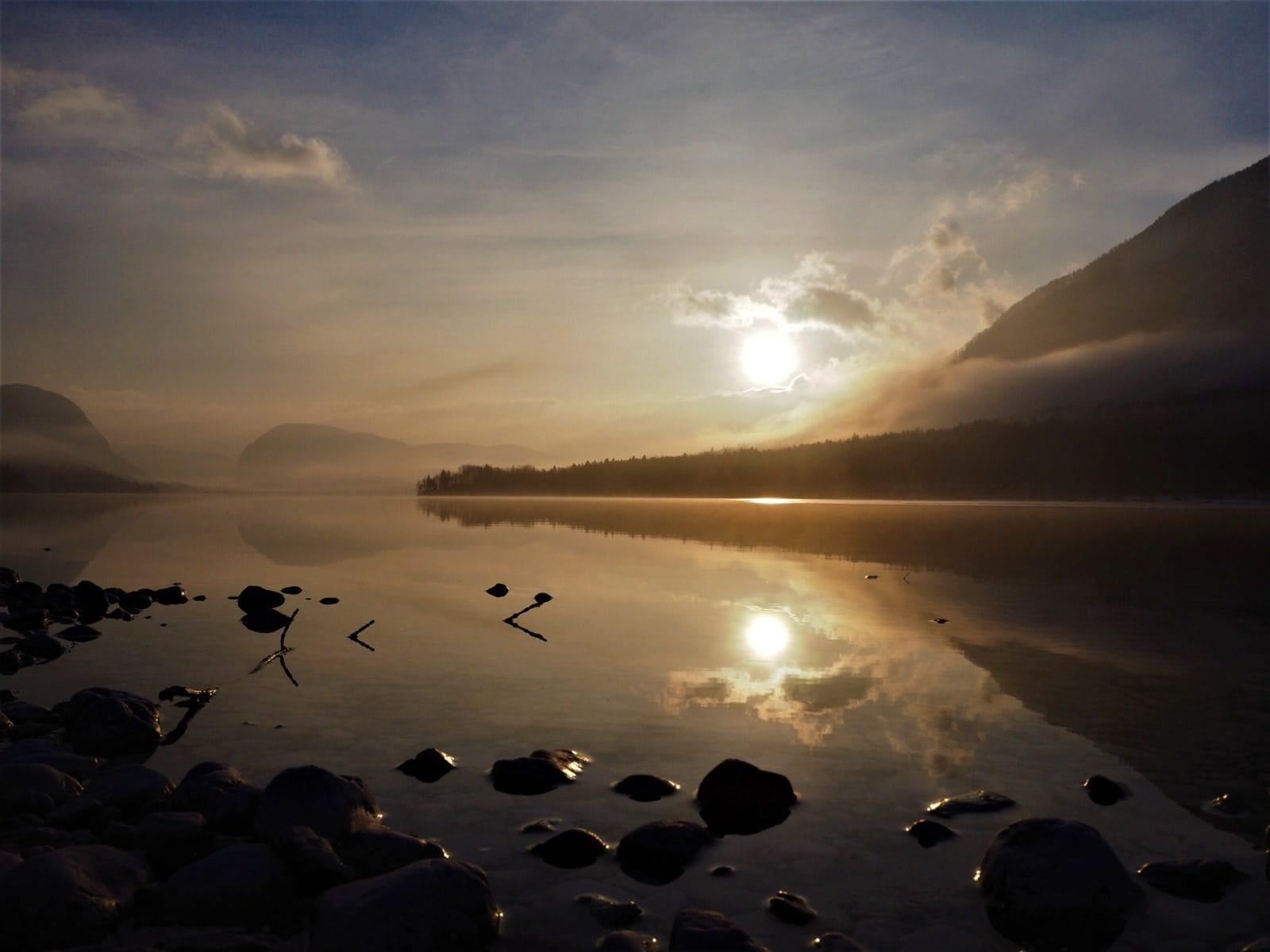Coucher de soleil d'hiver lac Bohinj