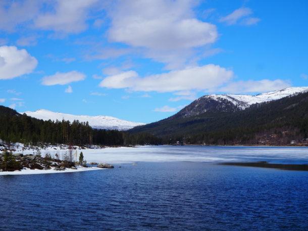 lac enneigé vu depuis la RV 55