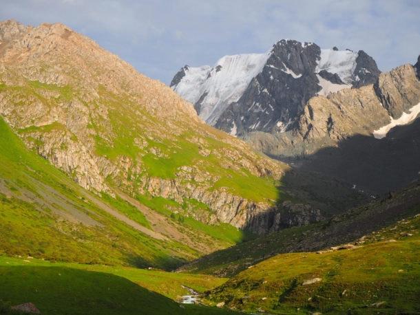Neiges éternelles au Kirghizistan