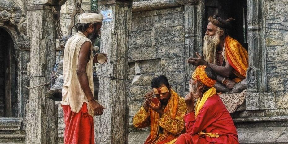 Sadhus autour des temples des Pashupatinath